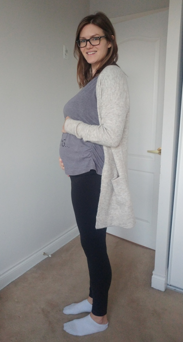 22 weeks pregnancy bump | flimsylion.com