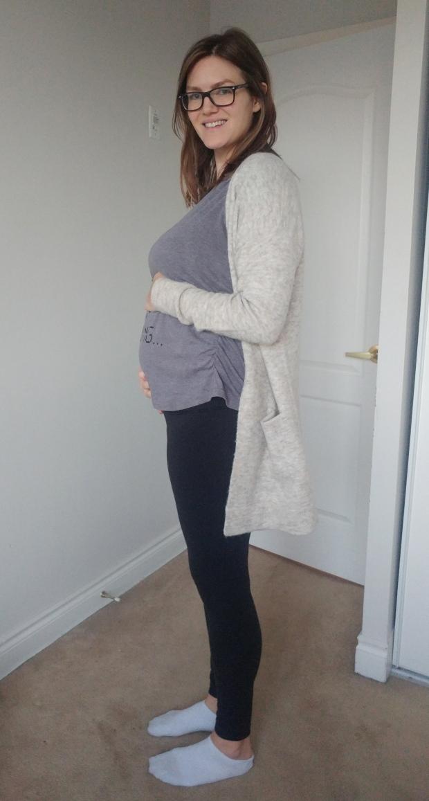 22 weeks pregnancy bump | flimsylion.com